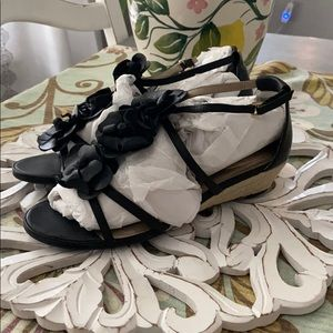 Nordstrom's Me Too Flower Sandals Shoes NEW 8